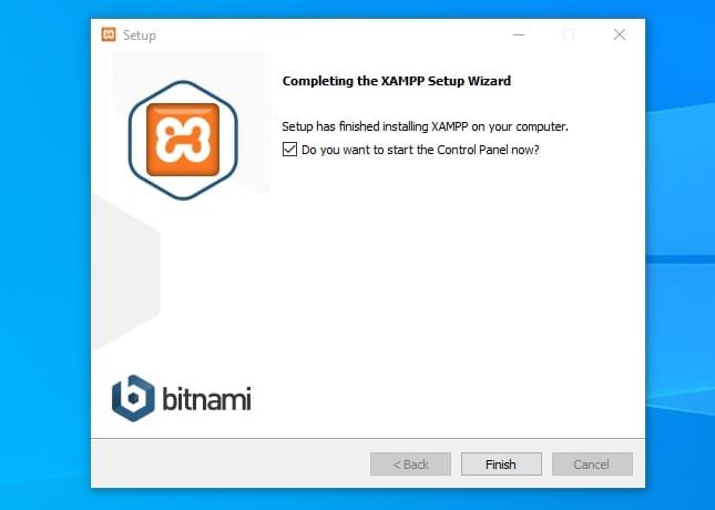Панель управления XAMPP для запуска Apache, MySQL, FileZilla и Mercury