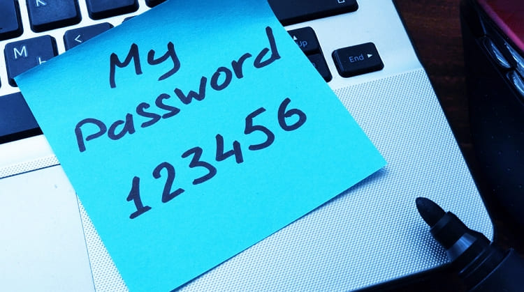 316 000 пользователей использовали уже взломанные пароли